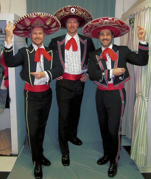 introducing the 3 amigos claypole strike swollengoat amgio amgio amgio check hook boxing